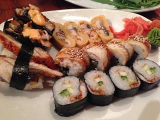 Миф 4: Суши едят только специальными палочками
